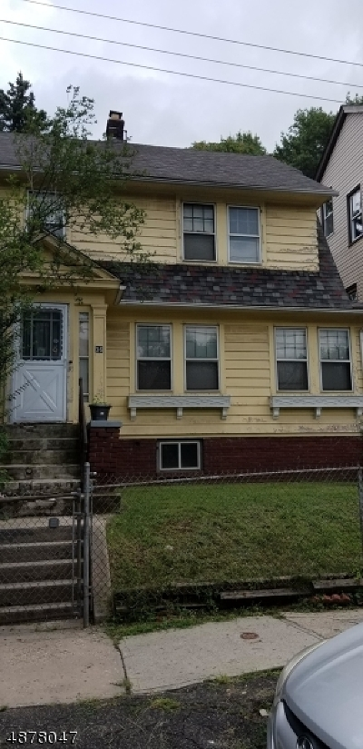 Single Family Home For Sale: 36-38 Vermont Ave