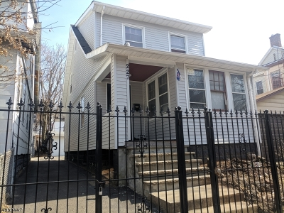 Newark City NJ Single Family Home For Sale: $285,000