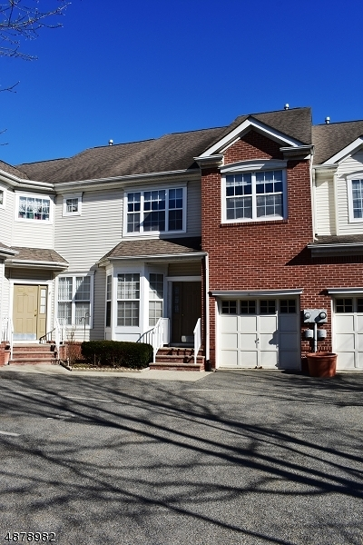Parsippany-Troy Hills Twp. Condo/Townhouse For Sale: 195 Crown Point Rd
