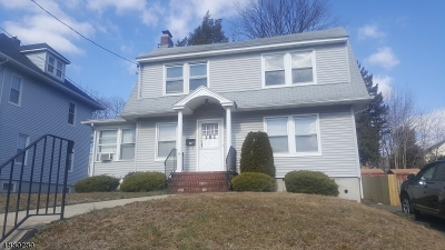 Hackensack City NJ Single Family Home For Sale: $185,000