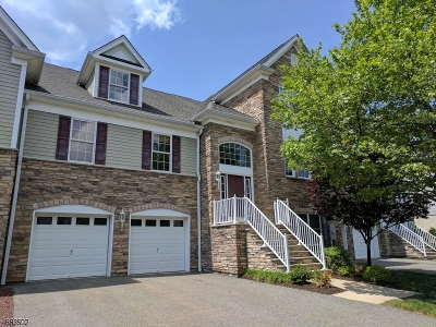 West Orange Twp. Condo/Townhouse For Sale: 11 Lonergan Ln