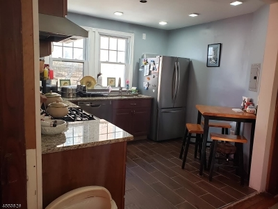 Bloomfield Twp. Multi Family Home For Sale: 55 Berkeley Pl
