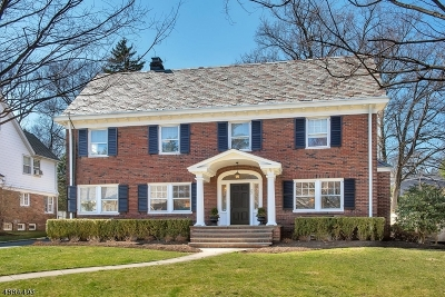 Montclair Twp. Single Family Home For Sale: 22 The Fairway