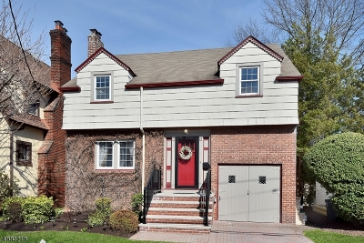 Bloomfield Twp. Single Family Home For Sale: 73 Hawthorne Avenue