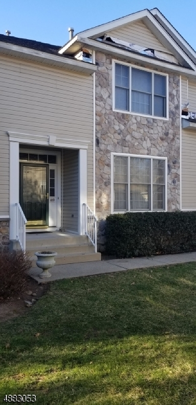 West Orange Twp. Condo/Townhouse For Sale: 39 Boland Dr
