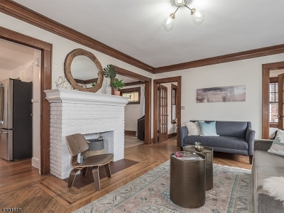 Maplewood Twp. Single Family Home For Sale: 136 Midland Blvd