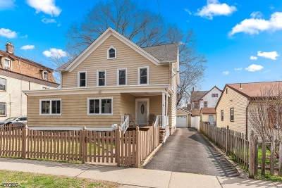 Dover Town Single Family Home For Sale: 46 N Bergen St
