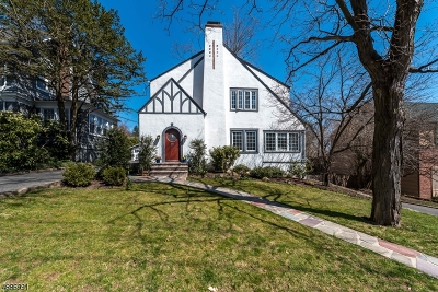 Maplewood Twp. Single Family Home For Sale: 27 Collinwood Rd