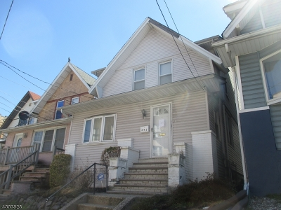 Jersey City Single Family Home For Sale: 242 Fowler Ave