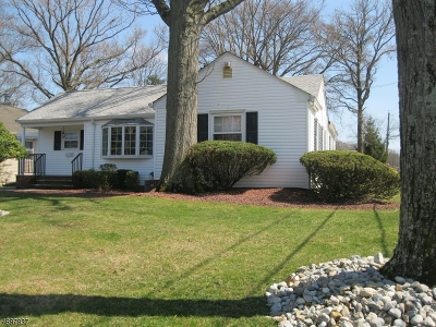 Woodbridge Twp. Single Family Home For Sale: 87 W Hill Rd