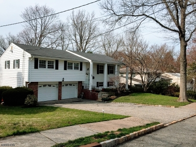 West Orange Twp. Single Family Home For Sale: 32 Colonial Woods Dr