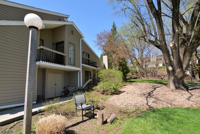 Union Twp. Condo/Townhouse For Sale: 1 The Crescent