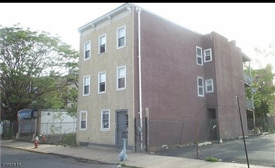 Elizabeth City Multi Family Home For Sale: 245 Union St #3