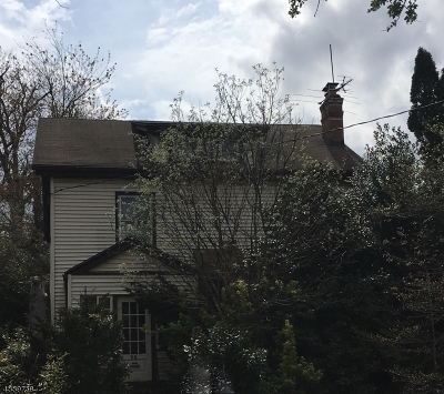 Maplewood Twp. Single Family Home For Sale: 76 Park Ave