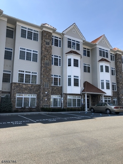 Linden City Condo/Townhouse For Sale: 102 E Elizabeth Ave 103 #103