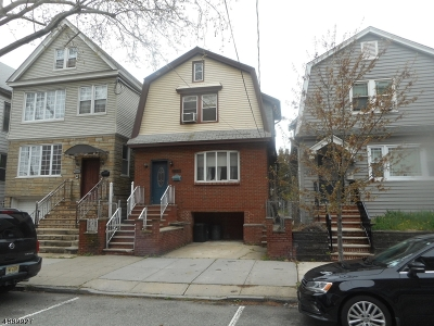 Bayonne Single Family Home For Sale: 123 W 48th St
