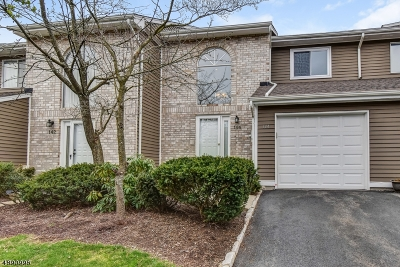 East Hanover Twp. Condo/Townhouse For Sale: 144 Castle Ridge Dr