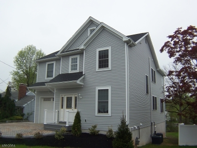 Woodbridge Twp. Single Family Home For Sale: 447 Colonia Blvd