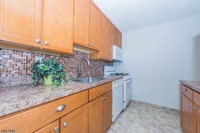 Glen Ridge Boro Twp. Condo/Townhouse For Sale: 926 Bloomfield Ave #1C
