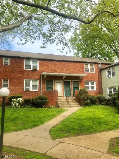 Roselle Boro Condo/Townhouse For Sale: 515 Brooklawn Ave Apt D1