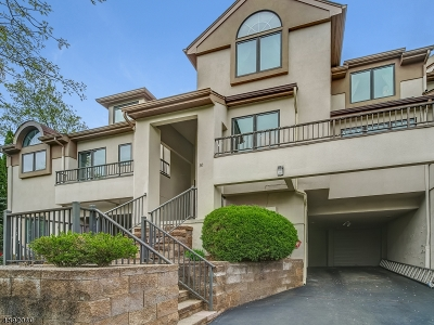 West Orange Twp. Condo/Townhouse For Sale: 30 Schindler Ter