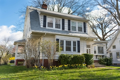 Maplewood Twp. Single Family Home For Sale: 13 Oakland Rd