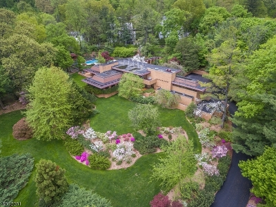 Maplewood Twp. Single Family Home For Sale: 15-19 Tower Dr