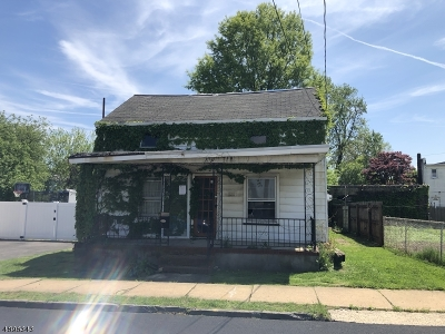 Woodbridge Twp. Single Family Home For Sale: 81 2nd St
