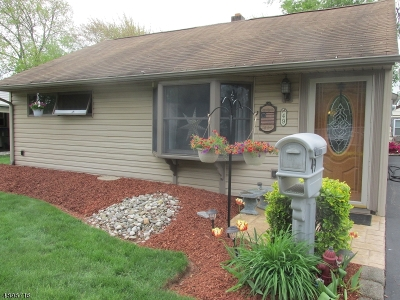 Edison Twp. Single Family Home For Sale: 49 W Knollwood Rd