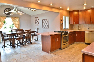 East Hanover Twp. Single Family Home For Sale: 13 Brace Dr