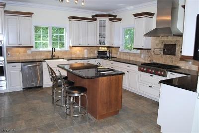 Hanover Twp. Single Family Home For Sale: 45 Hilltop Cir
