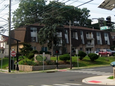 Elizabeth City NJ Condo/Townhouse For Sale: $189,500