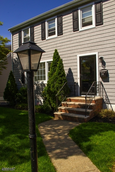 Nutley Twp. Single Family Home For Sale: 286 Vreeland Ave