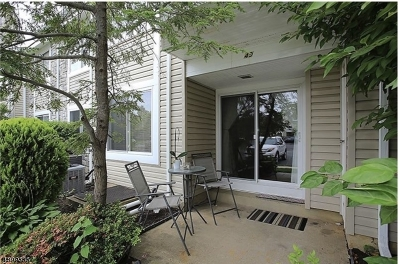 SAYREVILLE Single Family Home For Sale: 49 Chatham Sq