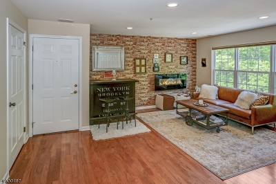 Hanover Twp. Condo/Townhouse For Sale: 3212 Appleton Way