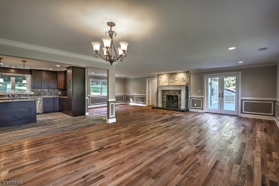 Union Twp. Single Family Home For Sale: 26 Van Syckels Rd