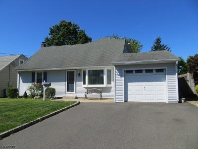 Woodbridge Twp. Single Family Home For Sale: 7 Longfellow Dr