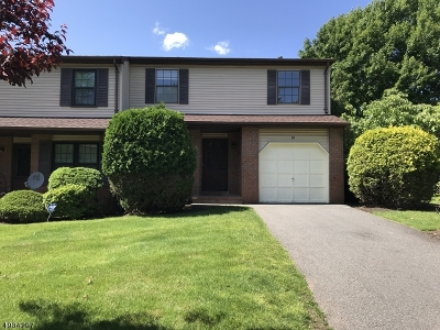 Edison Twp. Condo/Townhouse For Sale: 10 Dogwood Dr