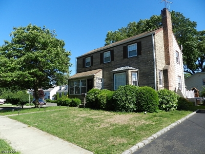 Single Family Home For Sale: 273 Monticello St