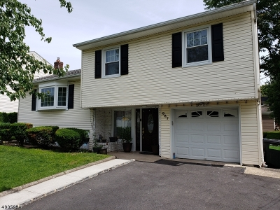 Union Twp. Single Family Home For Sale: 887 Greenwich Ln