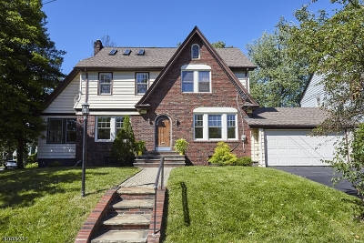 Maplewood Twp. Single Family Home For Sale: 3 Berkshire Rd