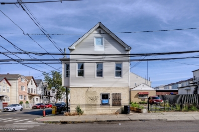 Elizabeth City Multi Family Home For Sale: 120-122 5th St
