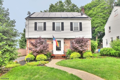 Maplewood Twp. Single Family Home For Sale: 33 Colgate Rd