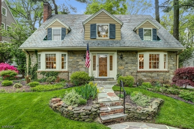 Maplewood Twp. Single Family Home For Sale: 7 Woodhill Dr