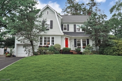 Maplewood Twp. Single Family Home For Sale: 23 Colonial Ter