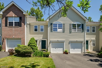 South Brunswick Twp. Condo/Townhouse For Sale: 504 Canterbury Way