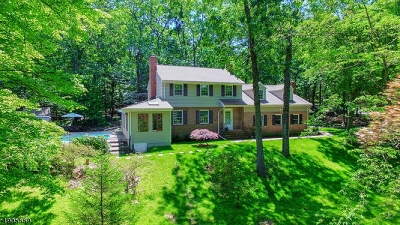 WATCHUNG Single Family Home For Sale: 47 Robin Glen Rd
