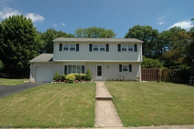 Roxbury Twp. Single Family Home Active Under Contract: 15 Brent Pl