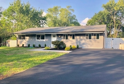 South Brunswick Twp. Single Family Home For Sale: 4 Cranston Rd