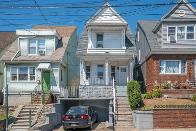 Jersey City Single Family Home For Sale: 146 Beach St